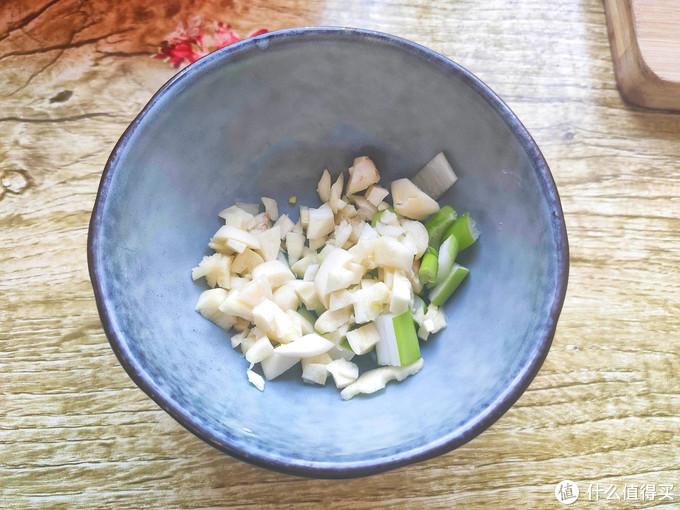 春节过后开启健康饮食规律,这菜自带清香,无需加肉也能鲜嫩好吃