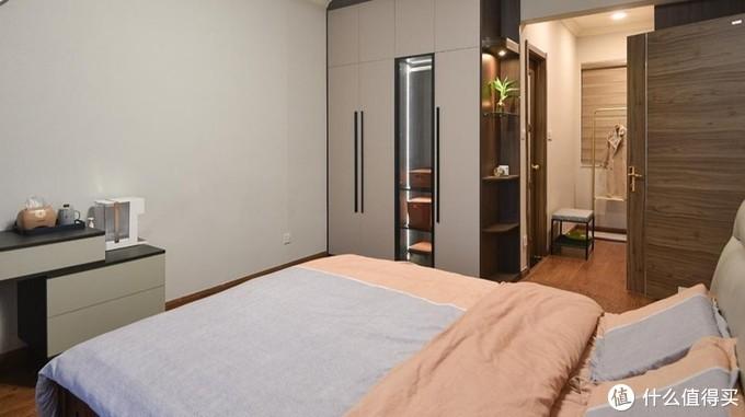 简约现代风四居室,衣柜设计最独特!
