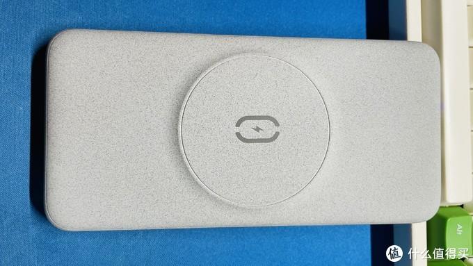 新入一款无线充电宝:Magsafe磁吸充电+18W快充