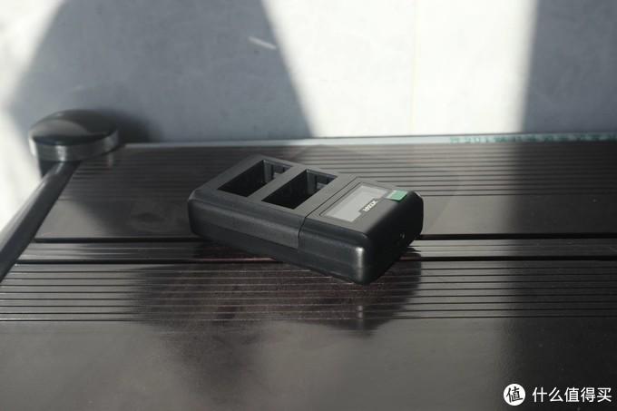 一颗与众不同的充电头,XTAR VN2智能屏显功能充电器