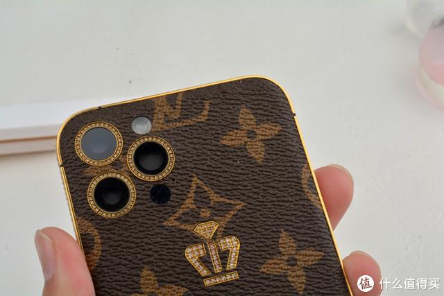 有钱不一定能为所欲为,但可以定制自己独特的iPhone手机,真美!