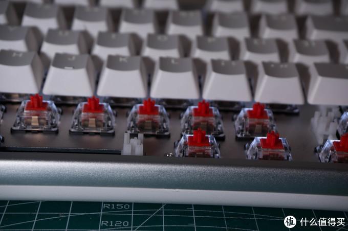 200块的无线红轴三模键盘,竟然还带背光和type c