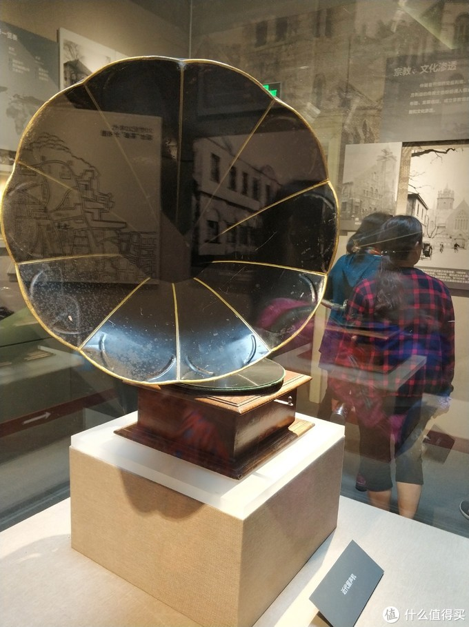 烟台山公园里有很多历史相关的陈列和展览,值得一看