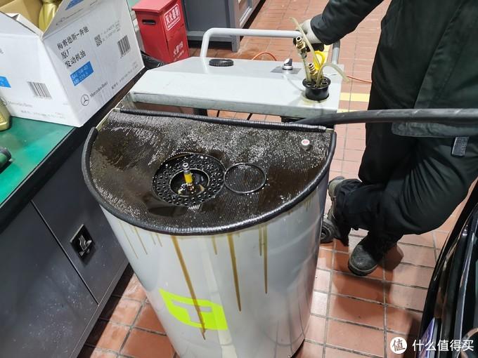 第一次看到这样的抽油机,很是好奇