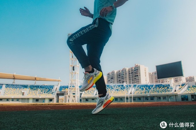 一切设计皆为保护——李宁烈骏5稳定跑鞋