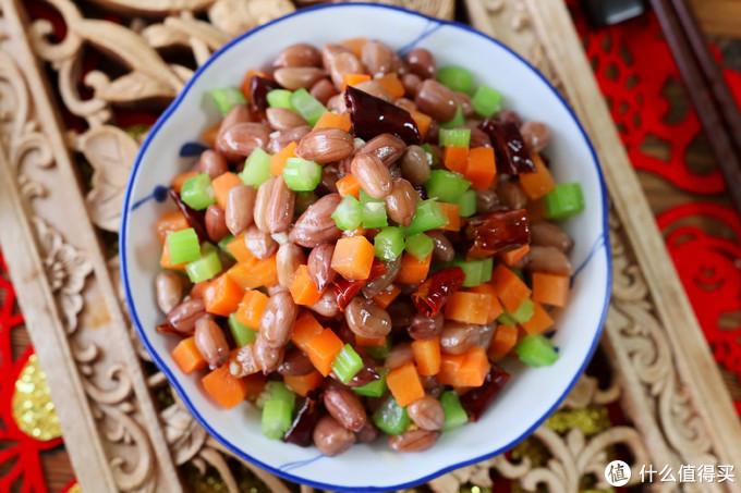 """做""""水煮花生米"""",想花生入味有嚼头,煮几分钟是关键,下酒好菜"""
