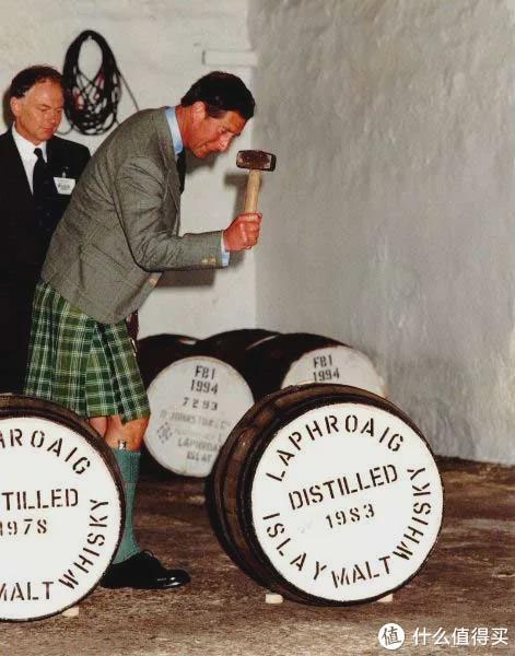 人潮汹涌刘德华和万茜喝的威士忌,竟是查尔斯王子的最爱