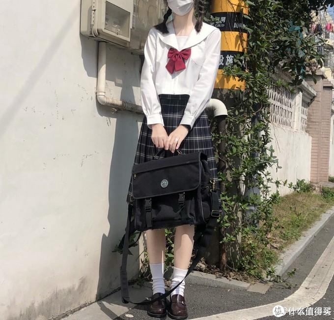 """可爱又减龄!穿上就秒回""""18岁""""的九款JK小裙子来啦~"""