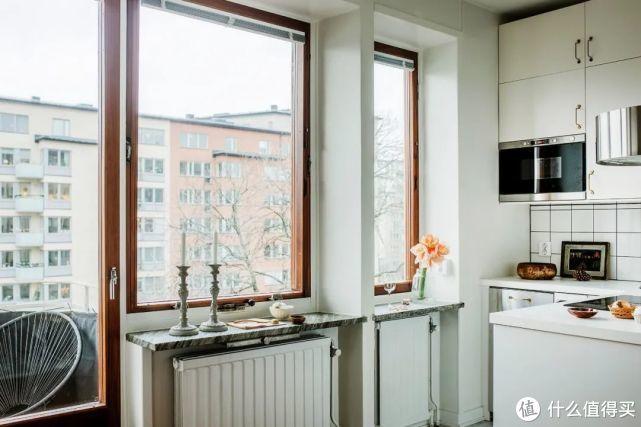 """让34㎡小公寓显大3倍,全靠这个""""明亮""""的大柜子!"""