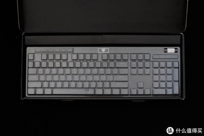 不到三百块的热插拔可换轴机械键盘值不值得买?