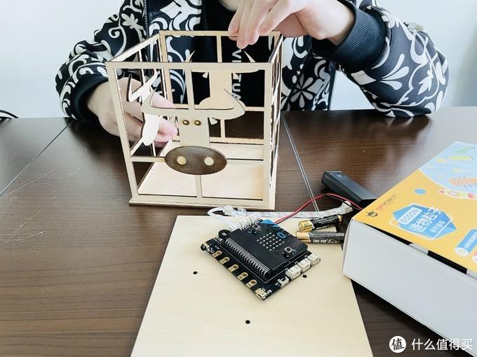 元宵节自制可编程牛年灯笼,陪孩子玩耍,不刷手机!