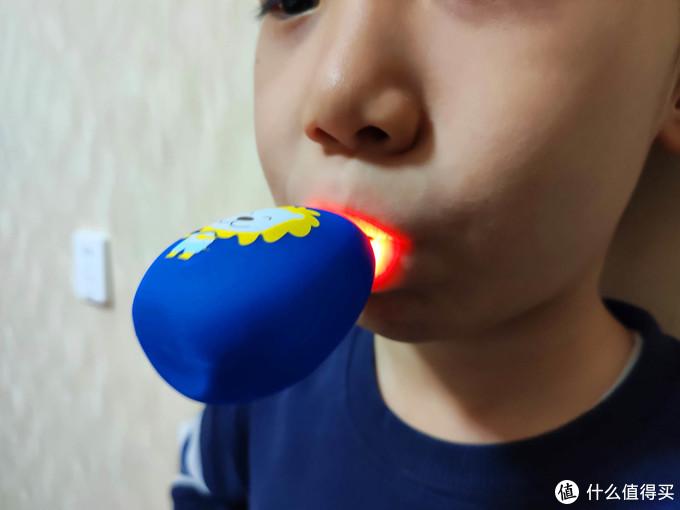 让宝宝爱上刷牙 牙蜜蜜全自动儿童声波U型牙刷