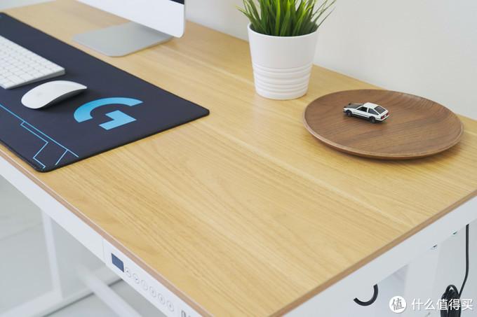 想久坐办公轻松点?试试电动升降桌E5吧!