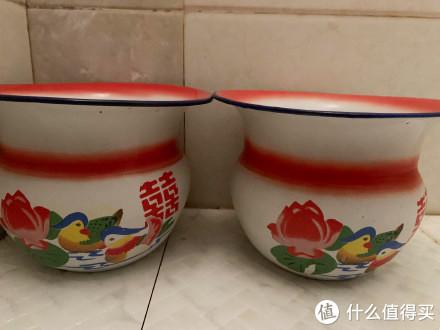 """中国痰盂被外国人当""""果篮""""走红,卖60美元,有人准备拿来吃面"""
