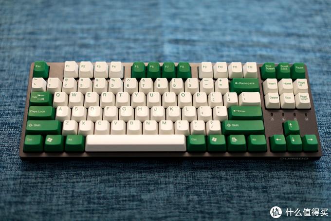 黑色杜伽K320搭配太豪绿白键帽