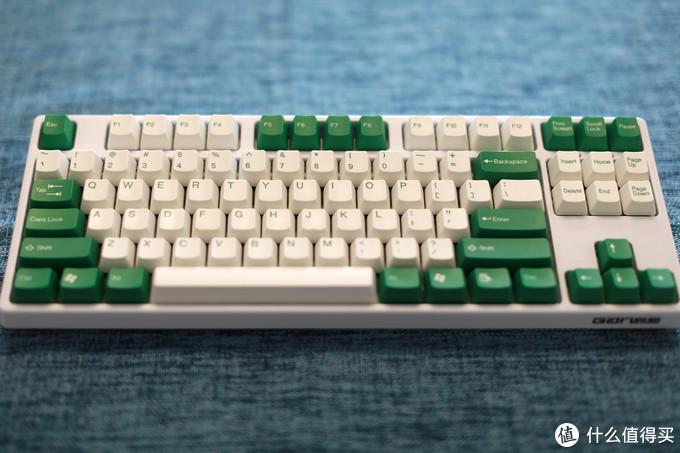 白色高斯GS87D搭配太豪绿白键帽