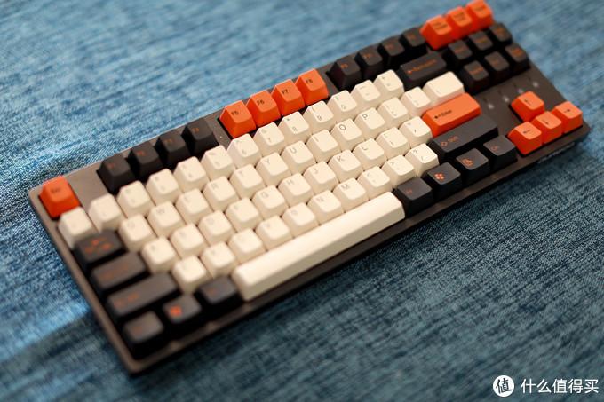 黑色杜伽K320搭配太豪大碳配色键帽