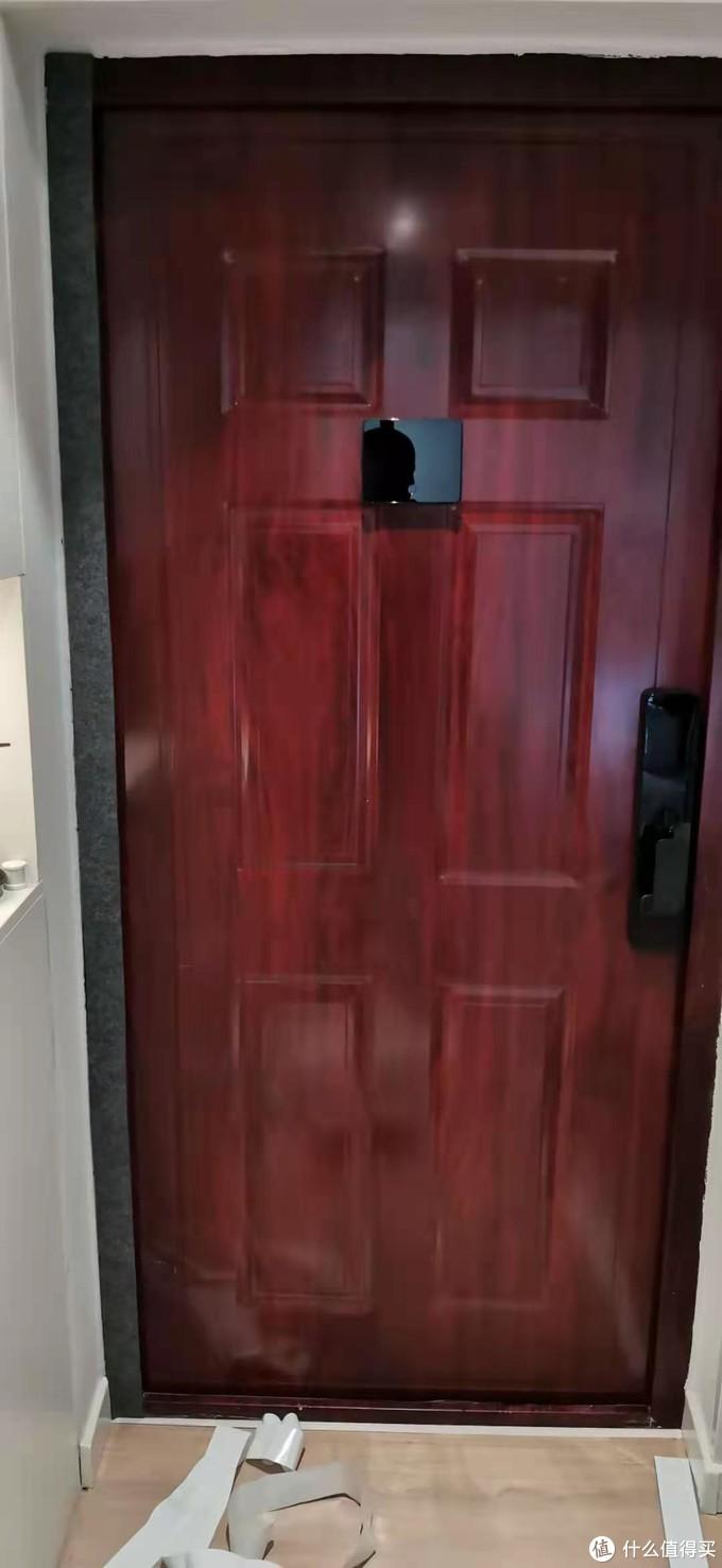 粘好的门框