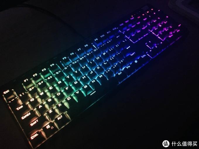 做散热器的改行了?超频三GI-801 RGB机械键盘上手体验