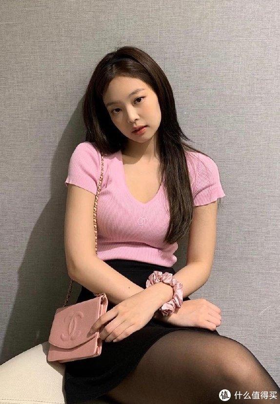 """明星背啥包Vol.8:和权志龙传""""恋爱""""的金Jennie,外号""""人间香奈儿""""?"""