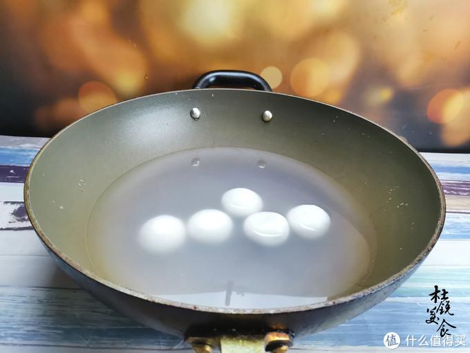 煮汤圆,水开下锅就错了,容易粘连破皮,学会6点,汤圆个个完整