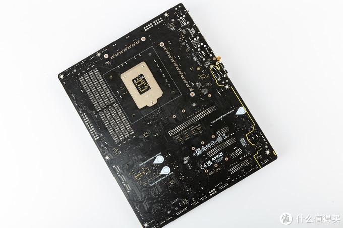 据悉采用服务器级PCB,在耐用型、防弯折和减少信号损失上更好,微星的X570主板上最先采用