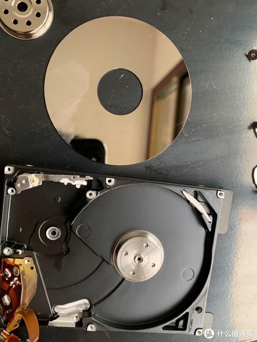 拆开看看老硬盘里能发现什么宝贝
