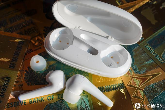 厌倦了AIRPODS致敬款真无线耳机?可以试试万魔ComfoBuds Pro啊!