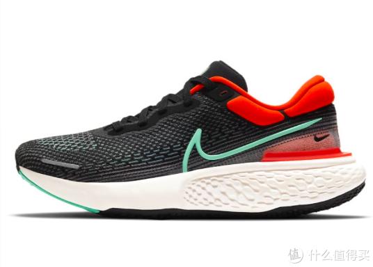 配置ZoomX中底的【Nike Invincible】上脚评测来了!|小布开箱