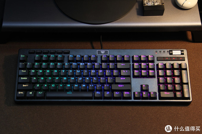 入门价但玩性高,RGB/PBT/可换轴一个不少的超频三GI-KB801机械键盘