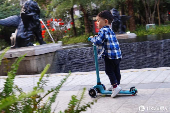 从小玩到大,酷骑V1滑板车给足童年乐趣