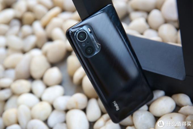 《到站秀》红米 K40 Pro智能手机:把旗舰大门焊死?
