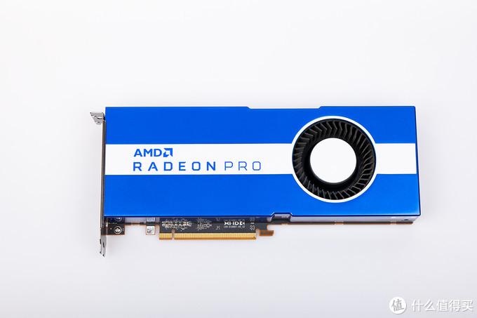 蓝白配色加上单涡轮 是属于AMD专业卡的骚气~