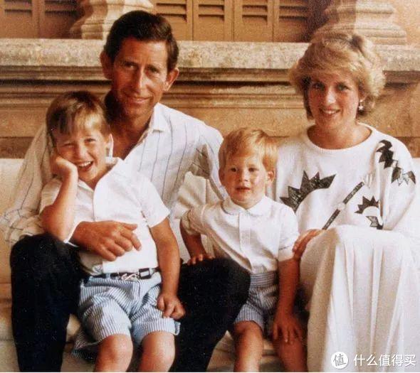 ▲ 威廉王子和哈里王子小时候也是穿短裤的!