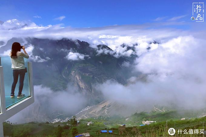2700米之上的浮云牧场,景色绝美的网红打卡地,但接待能力是硬伤