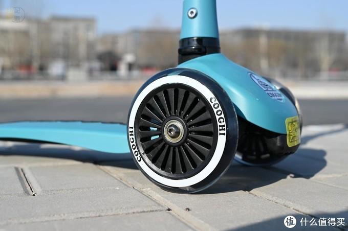 轻便好玩的儿童滑板车,炫丽又安全,酷骑V1体验
