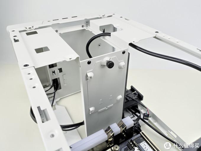 可立可卧又超能塞,高兼容性ITX机箱——银欣SG14装机记