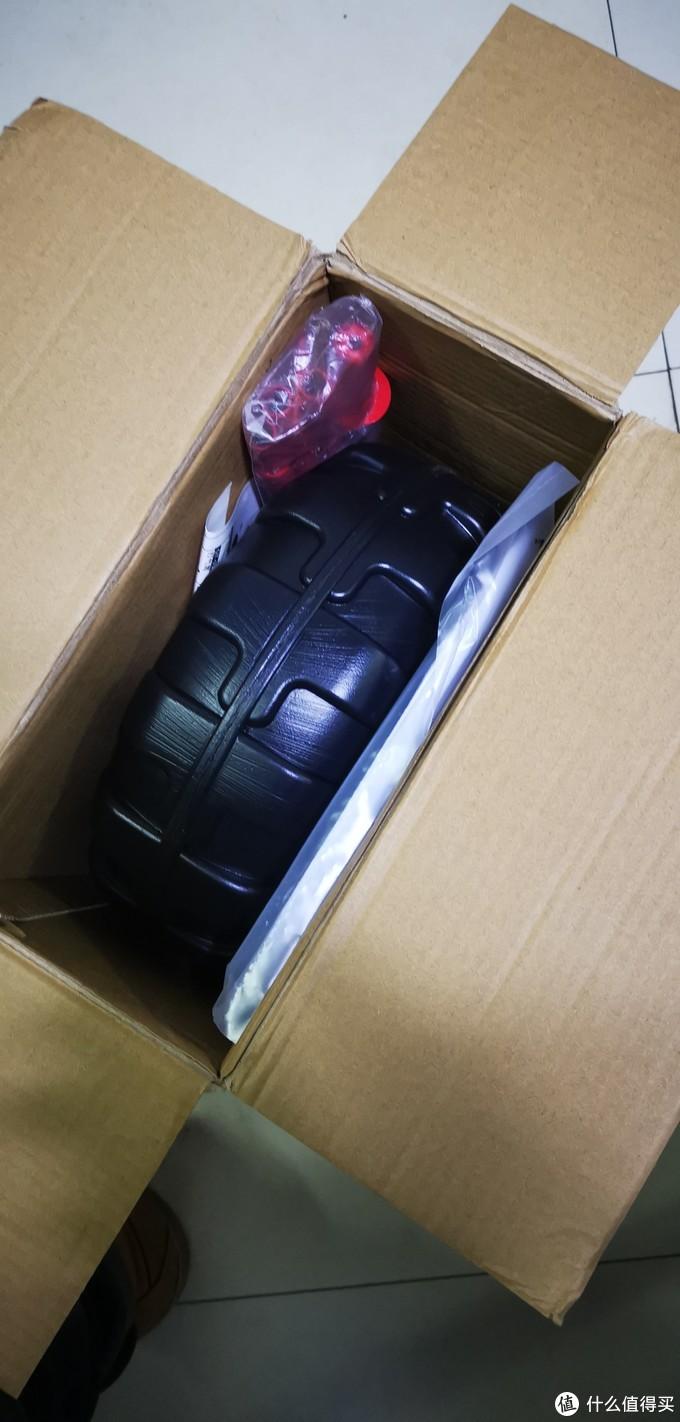 开了箱子还以为买个轮胎。不知道底座为啥设计成轮胎形状。不过还是可以的。