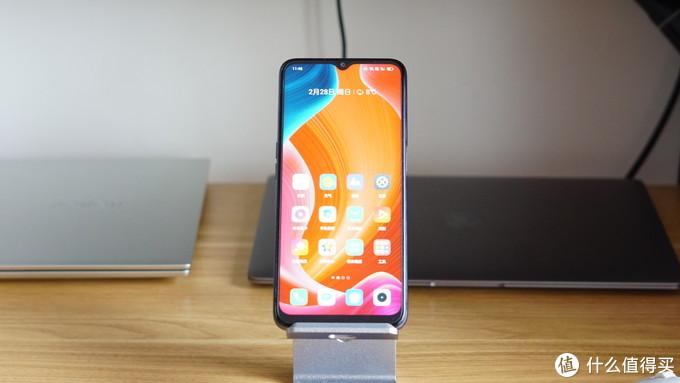 realme V11手机评测:一款续航超强的5G入门手机