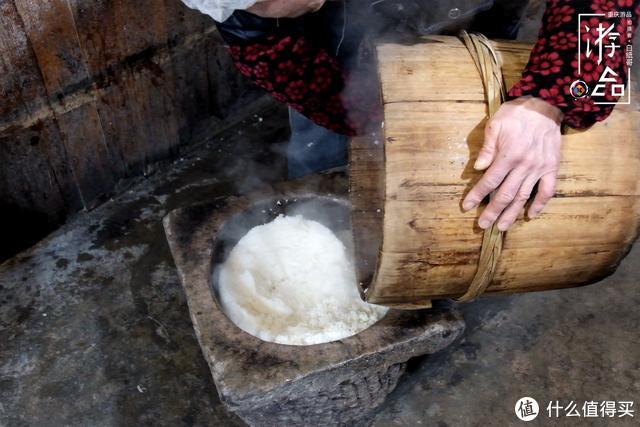 重庆人过年就是要吃糍粑,不放红糖,裹上鸡蛋就是真香