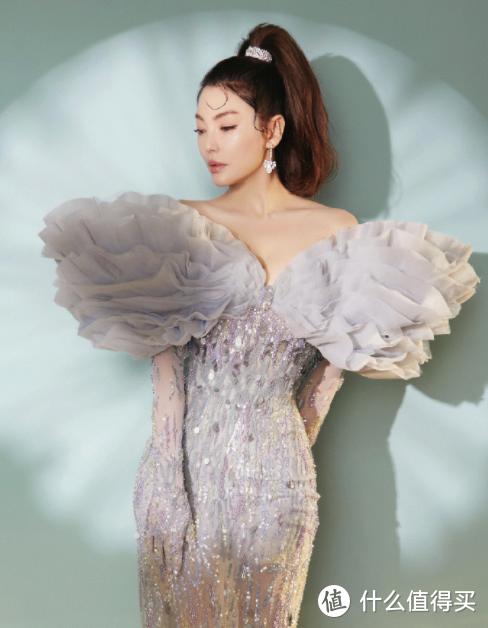 微博之夜 女明星现场比美,你觉得谁穿得最好看?(只有贾玲是一股清流)