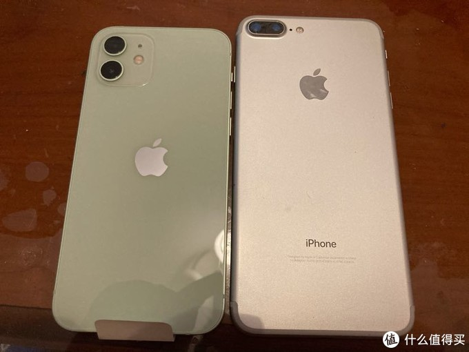 苹果钉子户放手了,拼多多入手丐版iPhone12也挺香