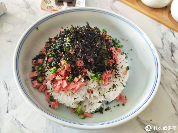 剩米饭新吃法,用手拿着吃,有趣又好吃,孩子一次能吃一碗饭