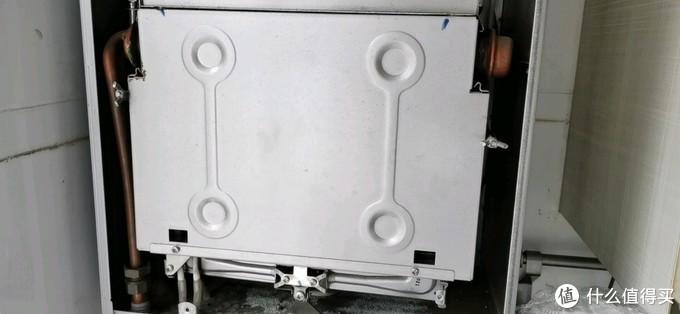 博世壁挂炉更换热交换器,解决水压自动升高问题