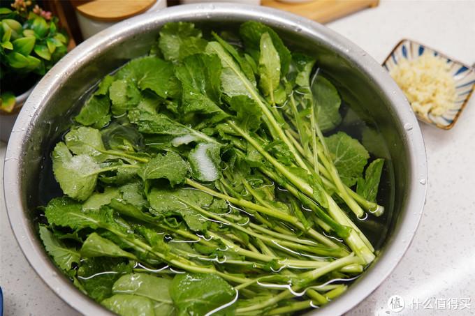 """春季""""咬春""""尝鲜,碰上这种""""油菜""""多买点,超香,过季节就没了"""
