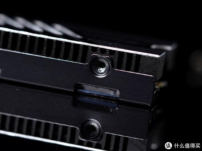 高端PCIE 4.0固态又增一员,技嘉7000S SSD钛雕上手测试