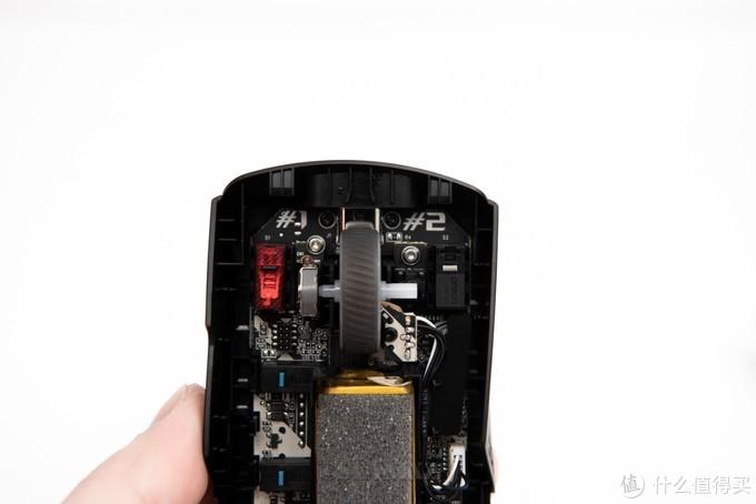 即插式微动设计可以一战20年? ROG月刃有线/无线版游戏鼠标