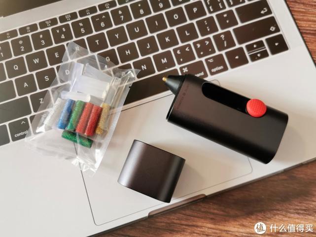 wowstick 锂电迷你热熔胶笔,给予手工艺应有的体面