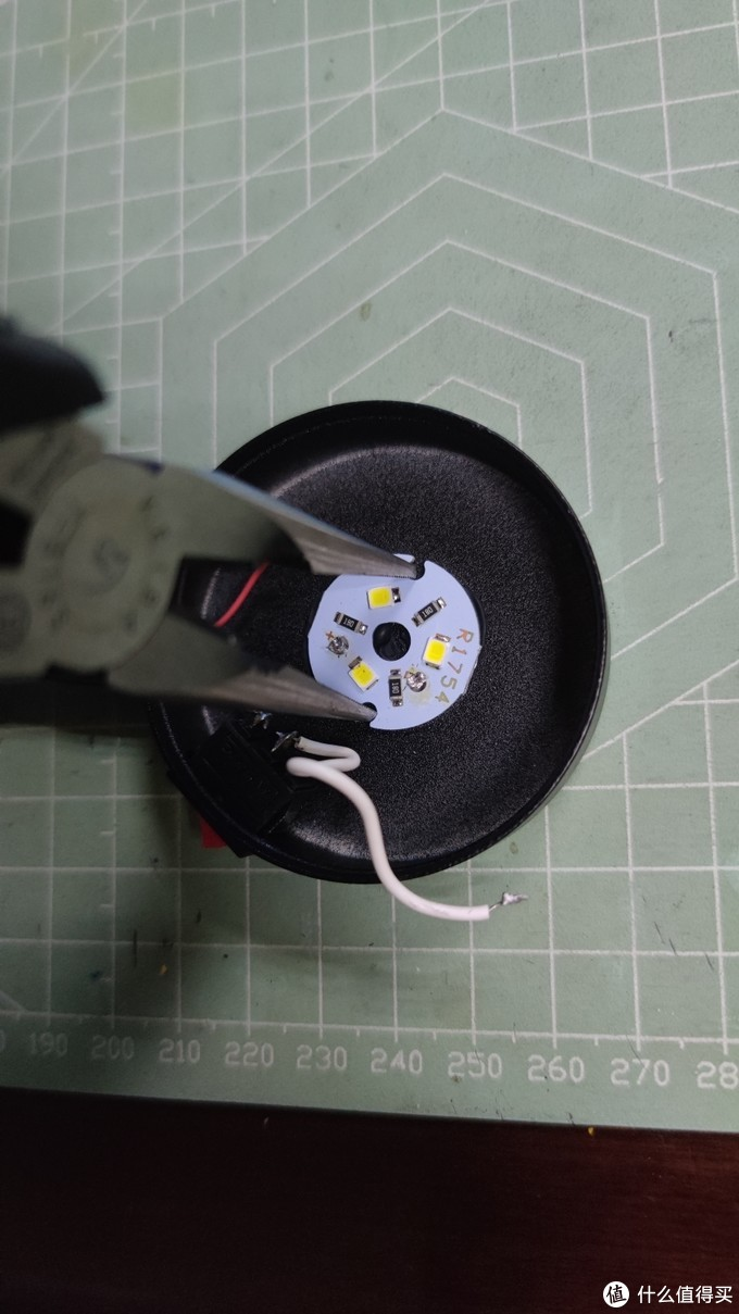 1.9的夹子台灯拆箱(拆解)