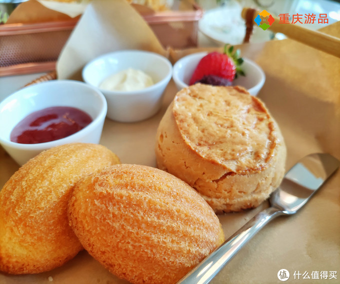 重庆可以720度看江景的下午茶,人均消费34,为何风评很低?